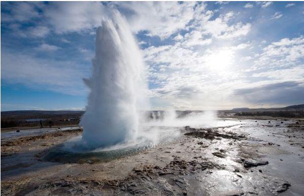 http://www.tourmag.com/docs/emploi/Islandephoto.JPG