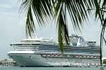 Le ''Sapphire Princess'' en escale à Papeete