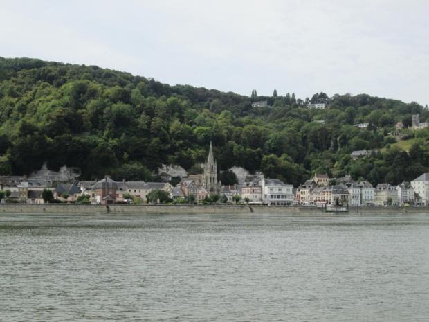 La Bouille, escale de charme et village natal d'Hector Malot vue du bac. Photo MS.