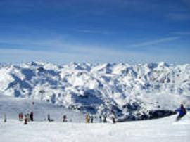 Saint-Martin de Belleville sur le domaine skiable des 3 Valées. Photo Savoie Mont Blanc/Chabance.