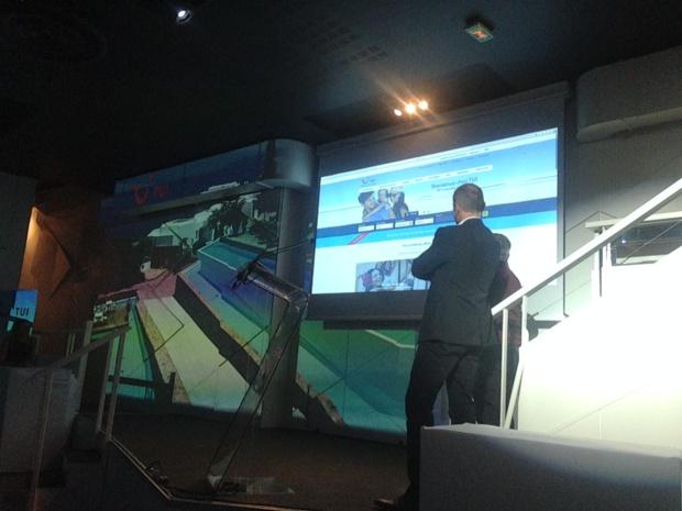Olivier Roche (directeur e-commerce) et Jérôme Picard (DSI) présentent le nouveau site TUI.fr (c) JG