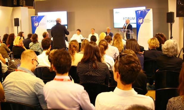 Mercredi 21 septembre, salle comble au Forum d'IFTM Top Résa 2016 pour la conférence AJT sur les partenariats entre start-ups et acteurs traditionnels - DR : HL