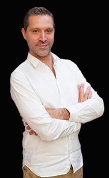 Hervé Bloch (c) Nonstoprod Jonathan Teboul