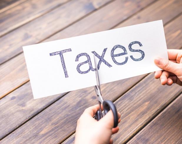Voilà que la taxe sur les primes d'assurances (obligatoires) va augmenter, conséquemment ! © zhu difeng - Fotolia.com