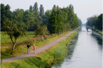 River tourism and bicycle touring join forces and expertise to promote French destinations