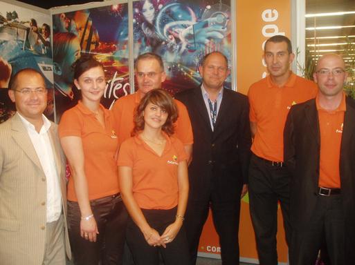 L'équipe du Futuroscope à Top Resa, avec David Chamard à gauche, et Dominique Hummel au centre