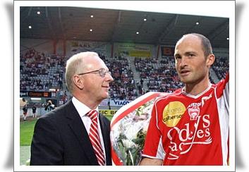 Jacques Rousselot avec Cédric Lécluse, recordman du nombre de matchs sous le maillot de l'ASNL