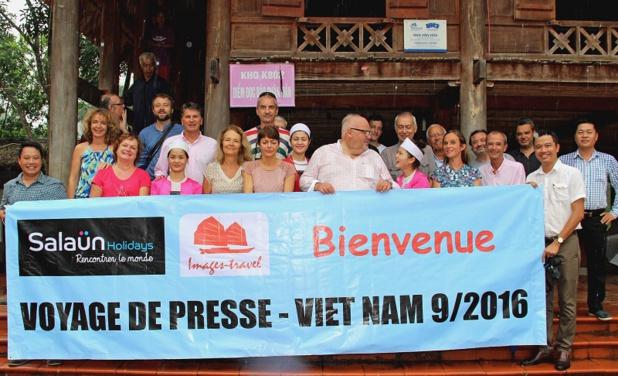 En septembre dernier, Salaün Holidays emmenait au Vietnam une quinzaine de journalistes à la rencontre des minorités Muong, au nord du pays. Une opération qui visait à aider les femmes et les hommes de cette minorité à sauvegarder leur patrimoine culturel, mais aussi à améliorer leurs conditions de vie - DR : Y. Pouchard