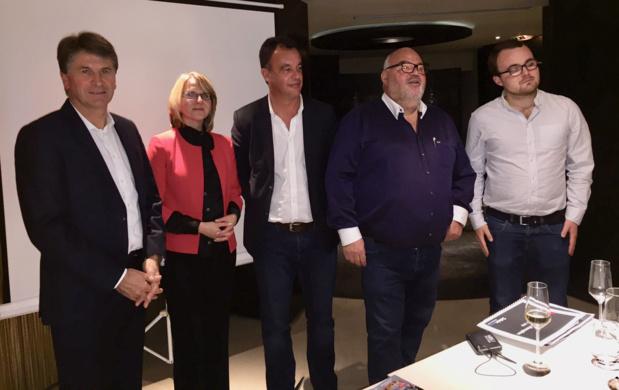 Michel Salaün entouré de son équipe et de son fils, présente sa nouvelle production XXL