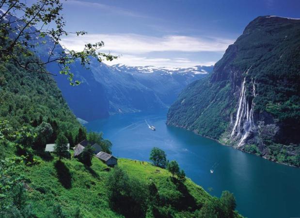 Le fjord Geiranger, les cascades des Septs Soeurs, les neiges éternelles. L'un des sites les plus spectaculaires et les plus délèbres de Norvège. Il est inscrit sur la liste du Patrimoine Mondial de l'Unesco. Photo Innovation Norway.