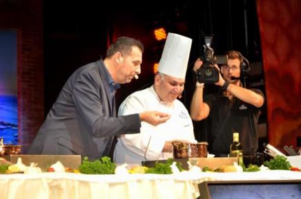 """""""Bravo Chef"""" est mis en scène comme une émission de télé-réalité avec le directeur de croisière comme présentateur - Photo : Costa Croisières"""