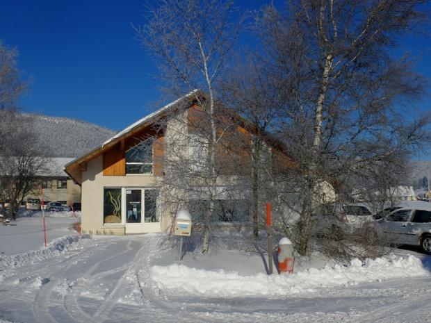 Les fondateurs de Grand Angle ont ouvert leur agence à Autrans-Méaudre, dans le Vercors. Leur philosophie, au-delà de vendre des voyages, c'est aussi de pouvoir vivre de leurs passions, qui sont le vélo, le ski de fond, la nature et la culture - DR : Grand Angle