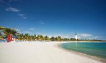 [La plage d'Harvest Caye est le principal attrait de la destination - DR : NCL