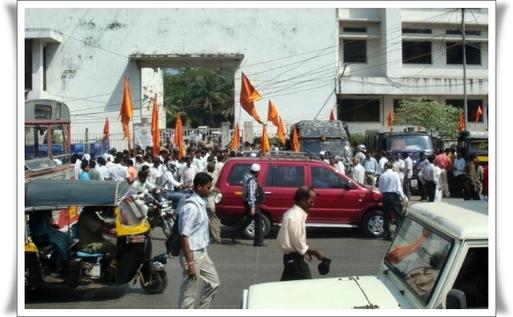 Manifestations devant le siège de jet airways