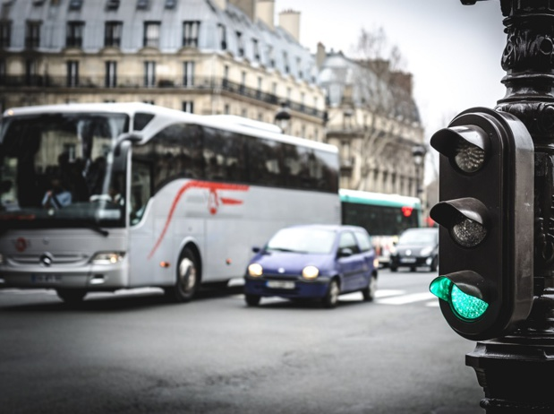 La Mairie de Paris  a décidé dans un souci d'écologie politicienne, d'interdire dès 2020, l'accès à la capitale de ces autocars remplis de touristes - Photo : BlackMac - Fotolia.com