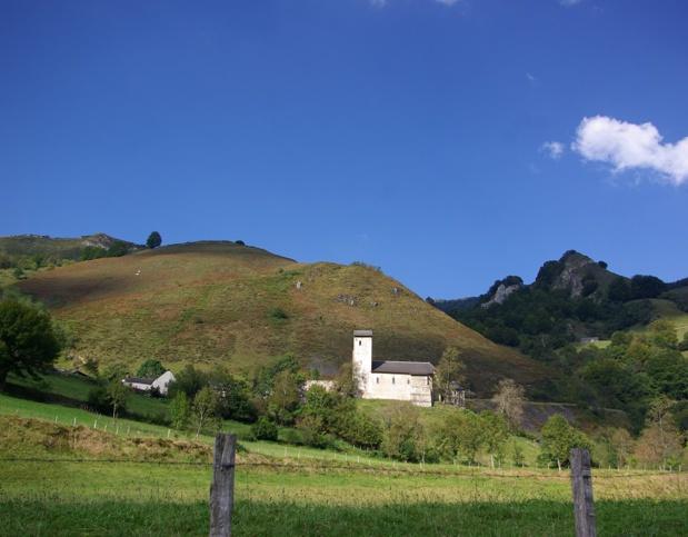 Saint-Engrâce vit avec son temps. Ici, l'élevage et le tourisme ont encore leur mot à dire pour maintenir les gens « au pays » - DR : J.-F.R.