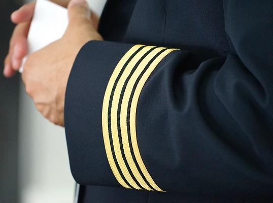 Un pilote d'avion ivre s'évanouit dans son cockpit — Insolite