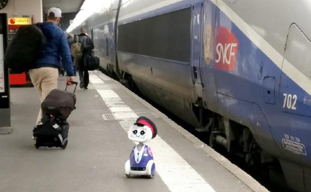 Buddy, imaginé par la start-up française Blue Frog, permettra notamment de faciliter la réservation des billets de train - DR : SNCF