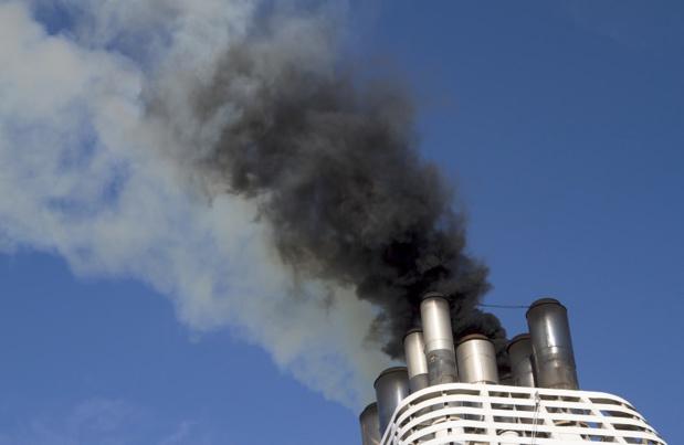 Les scrubbers peuvent réduire la pollution des navires de croisières à quai en absorbant leurs émissions de CO2 - Photo : scphoto48-Fotolia.com