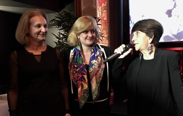Adriana Minchella, à droite, en compagnie d'Isabelle Cordier et  France Line Michon (FRAM), lors de la présentation des voeux 2017 à Paris - DR : JDL