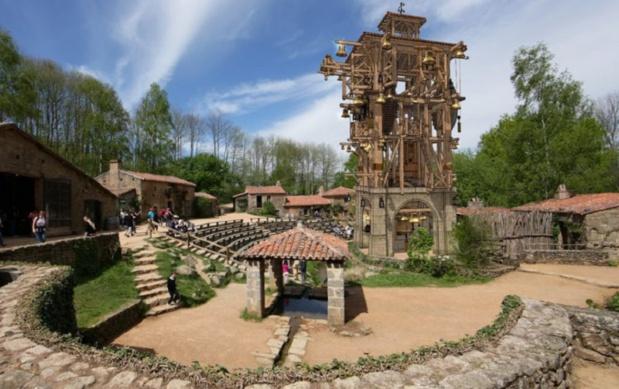 """Scène du nouveau spectacle du Puy du Fou """"Le Grand carillon"""" -  DR : Le Puy du Fou"""