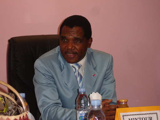 Son excellence El Hadj Baba Hamadou, ministre du Tourisme camerounais