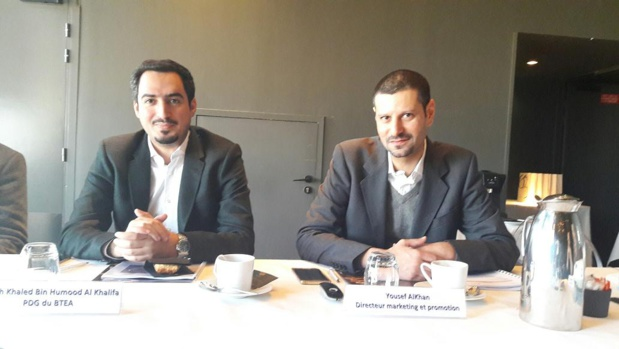 Au cours de la conférence de presse donnée au 56e étage de la Tour Montparnasse, Khaled Bin Humood Al-Khalifa, président du Bahrain Tourism & Exhibition Authority et Youssef Alkhan, directeur marketing et promotion - Photo : M.S.