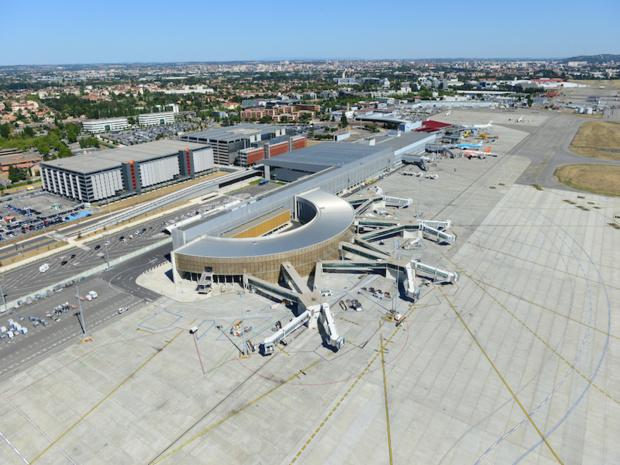 Les aéroports français, ici Toulouse-Blagnac, enregistrent 3,1% de croissance du trafic national passagers par rapport à 2015, selon l'UAF © DR UAF