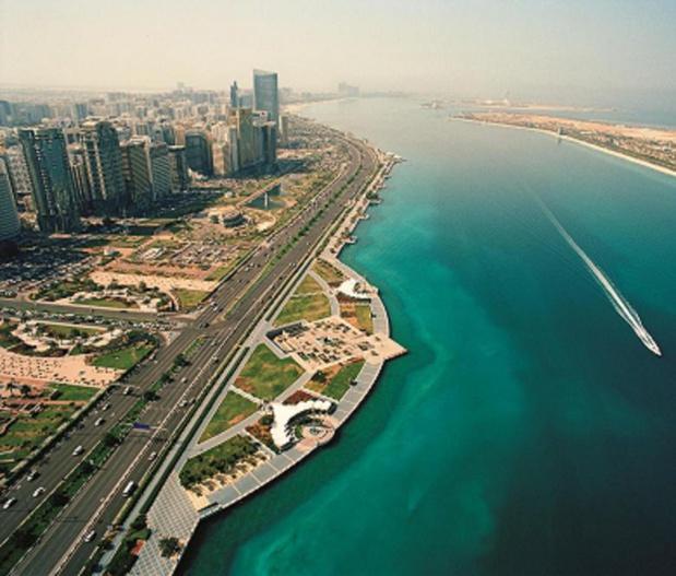 Entre mer et désert, Abu Dhabi City et sa fameuse corniche - Photo : TCA