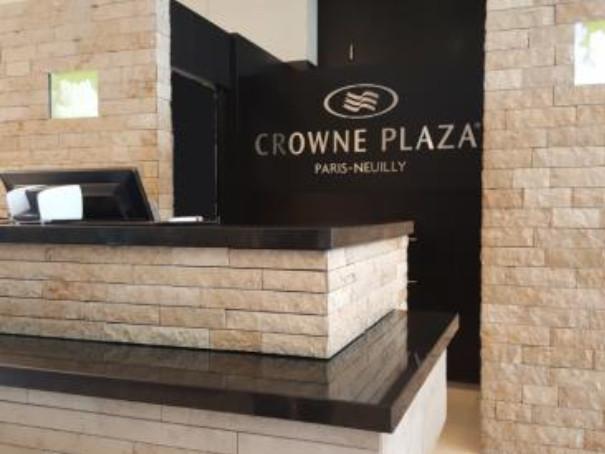 Le Crowne Plaza de Neuilly-sur-Seine est situé à proximité du quartier d'affaires de La Défense à Paris - Photo : IHG