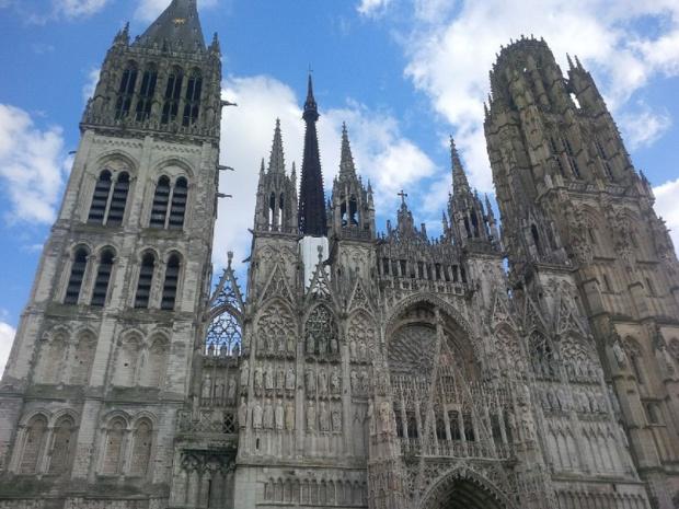 La cathédrale de Rouen est l'un des nombreux lieux emblématiques de Rouen qui se prépare à une saison estivale 2017 animée. DR: Aurélie Resch