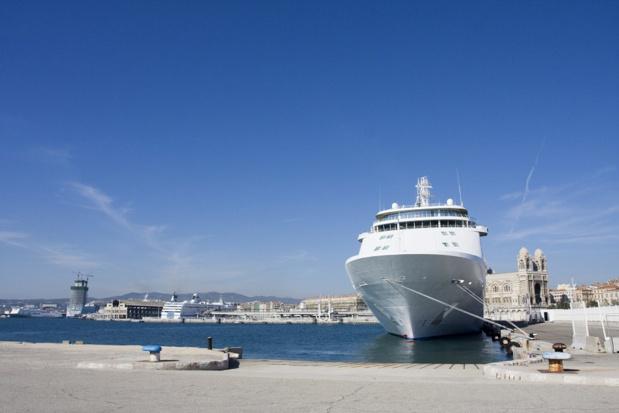 Le port de Marseille va recevoir plusieurs escales de navires de croisières de luxe en 2017 - Photo : RomainQuéré-Fotolia.com