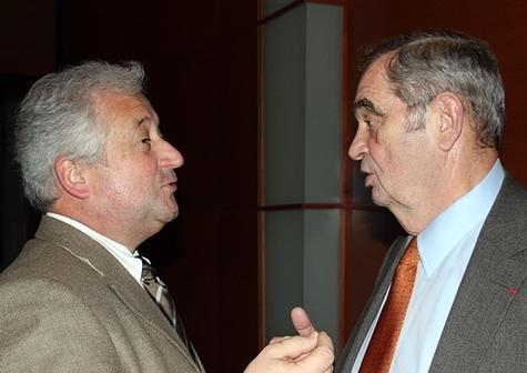 François-Xavier de Boüard président du réseau volontaire Selectour est resté sur ses positions : son conseil d'administration ne donnera le feu vert pour une adhésion au SNAV qu'en bénéficiant des conditions réservées aux réseaux intégrés.