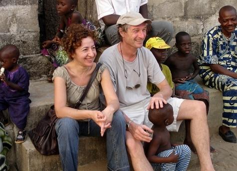 Olivier Théry directeur associé de Chemins de Sable - Ethnica et Najoua Mahmoud, directrice du développement d'Afriquiah, lors d'un récent voyage au Bénin