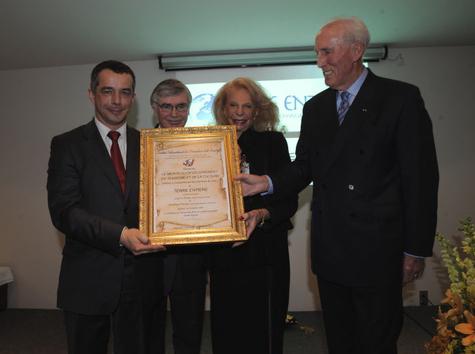 Hubert Debbasch en présence de Gisèle Rutman, de Louis Le Pensec et de Dominique Ponnau