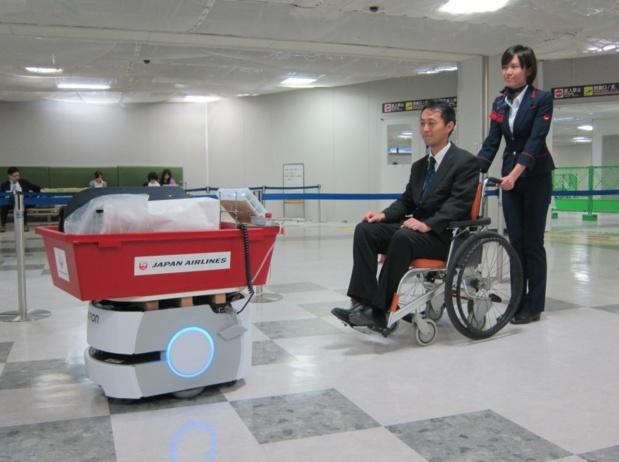 Un robot autonome capable de transporter les bagages - DR