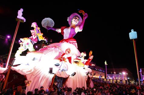 Le carnaval de Nice retrouve son arène et son public
