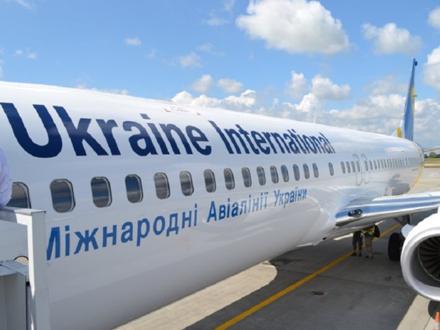 """La porte étant largement ouverte, il ne manquait plus qu'à s'engouffrer à l'intérieur de ce nouveau fromage. J'avoue m'être attendu à quelques compagnies « majeures », en fait c'est Ukraine International Airlines (UIA) qui vient de franchir son Rubicon"" - Photo : Ukraine International Airlines"