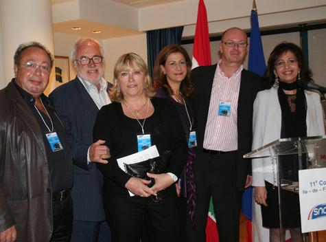 Michèle Laget, présidente du Snav Ile de France entourée de ses administrateurs et de Kada Sardouk, directrice au Ministère du Tourisme du Liban