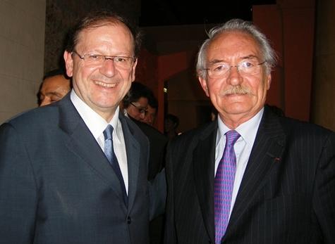 Hervé Novelli, ministre du Tourisme et Bernard Didelot, président sortant de l'APS