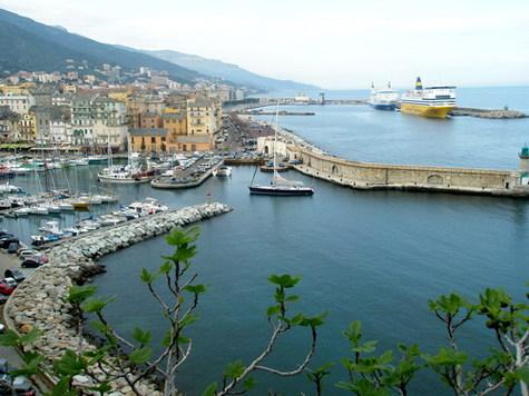 Régions insulaires : le tourisme durable en question à Bastia