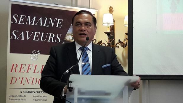 S.E. Dr Hotmangaradja Pandjaitan, ambassadeur de la République d'Indonésie en France, est à l'initiative de la semaine parisienne « Saveurs et Reflets d'Indonésie » - Photo M.S.