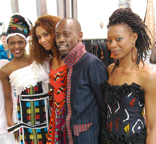 L'équipe du styliste Sadio Bee