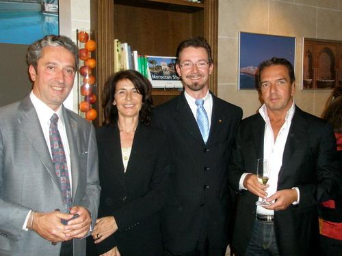 De gauche à droite : François Laustriat, Directeur général de l'Heure Bleue ; Nicole Grandsire Levillair, propriétaire du Ksar Char-Bagh ; Eric Hertz, Directeur des opérations au Dar Ahlam et Pascal Beherec, propriétaire de la Villa des Orangers