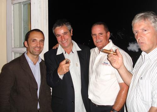 Nicolas Delord (Kuoni) Bernard Garcia (AFAT) le responsable Havanatours à La Havane et Bruno Gallois (Marsans)