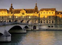 L'hôtellerie haut de gamme parisienne commence a entrevoir le bout du tunnel.