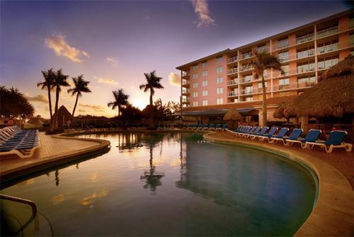 La piscine du Palm Beach Shores Resort and Vacation Villas