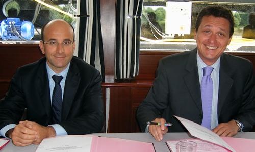 Christophe Gallineau, directeur commercial autres marques Sodexo aux côtés de Thierry Baudier (dte) qui va quitter son poste à l'issue du CA prévu en début de semaine prochaine