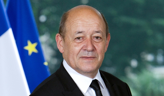 Jean-Yves Le Drian, ministre de l'Europe et des Affaires étrangères, est également, et entre autres, en charge du Tourisme au sein du gouvernement d'Edouard Philippe - Photo : Gouvernement.fr