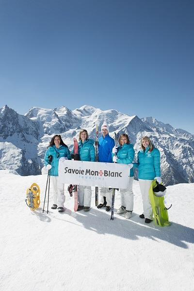 L'équipe de Savoie Mont Blanc Tourisme est à votre écoute pour répondre à vos besoins.